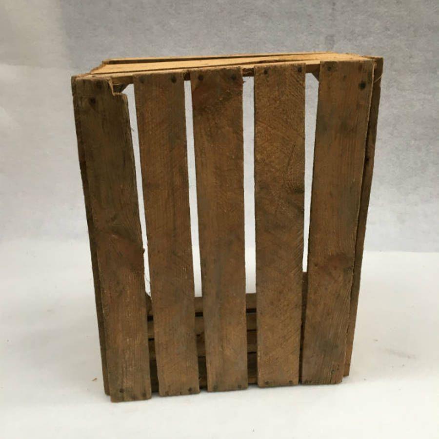 anciennes caisses en bois caisses pomme. Black Bedroom Furniture Sets. Home Design Ideas