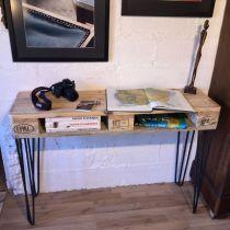caisse de vin vide pour fabriquer des meubles. Black Bedroom Furniture Sets. Home Design Ideas