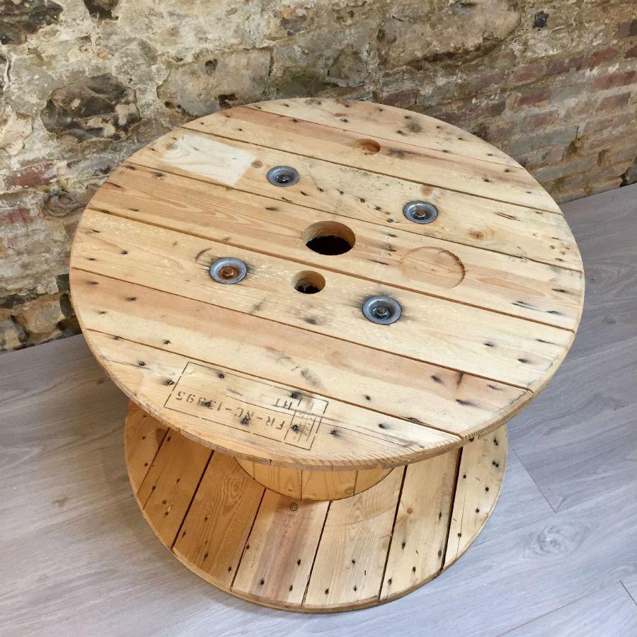 touret en bois clair 80 cm de diam tre. Black Bedroom Furniture Sets. Home Design Ideas