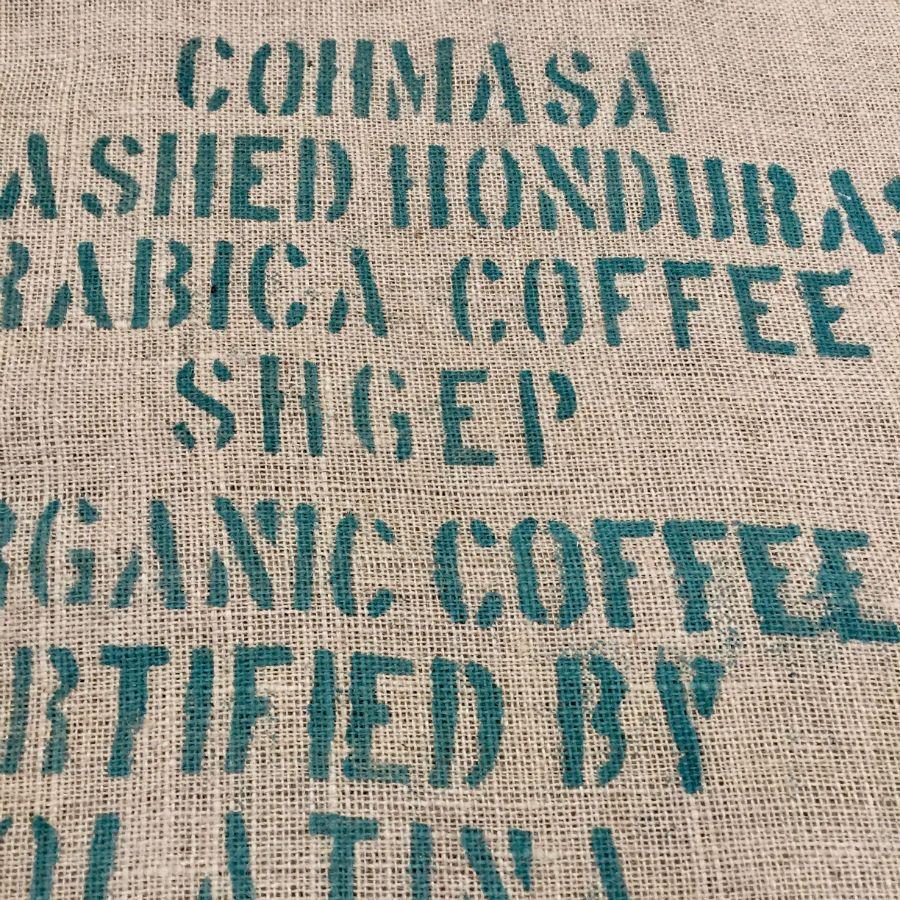 Ancien sac de caf en toile de jute marqu cohma sa honduras for Toile de jute castorama