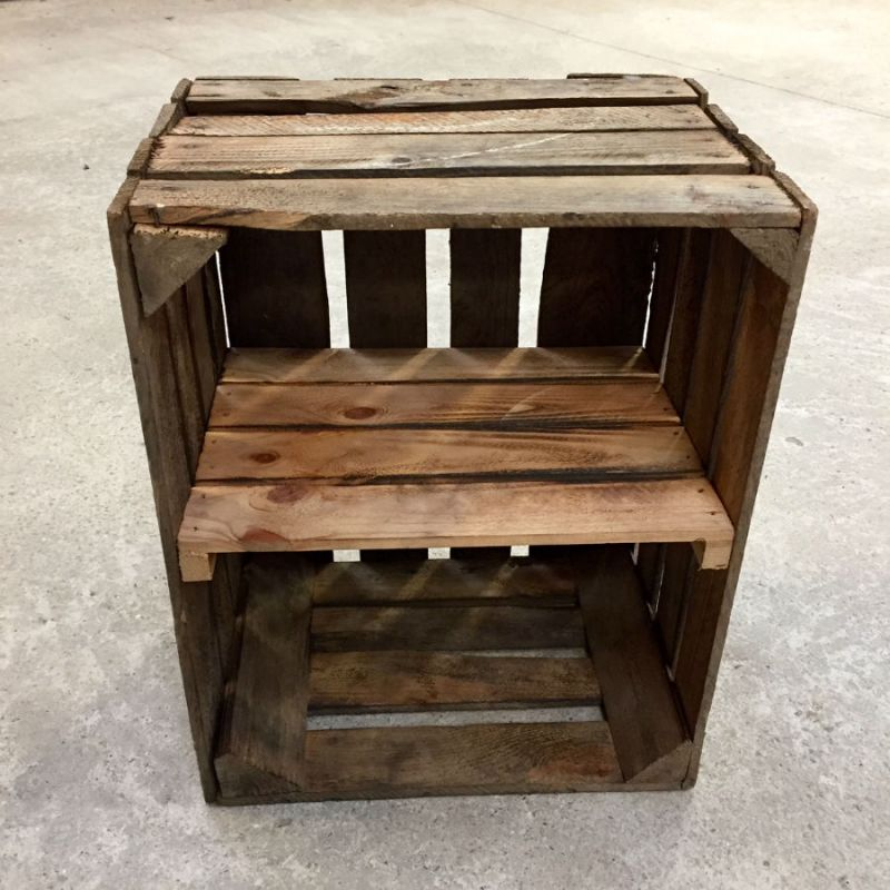 Caisse déclassée étagère verticale brûlée