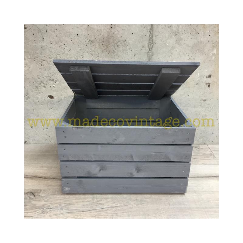 Coffre en bois gris