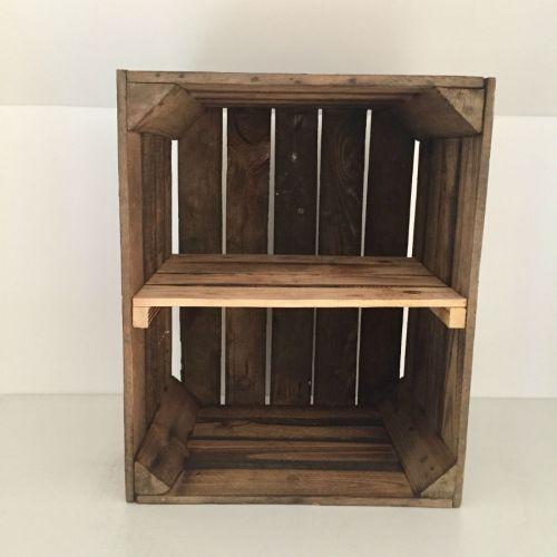 Etagère verticale ancienne caisse en bois brûlé