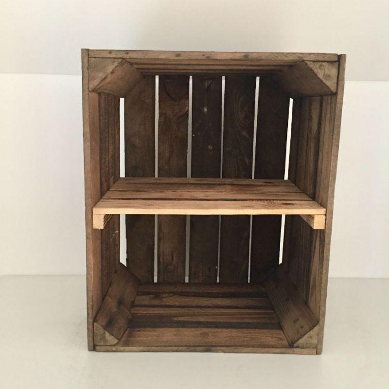 Etagère verticale caisse en bois brûlé